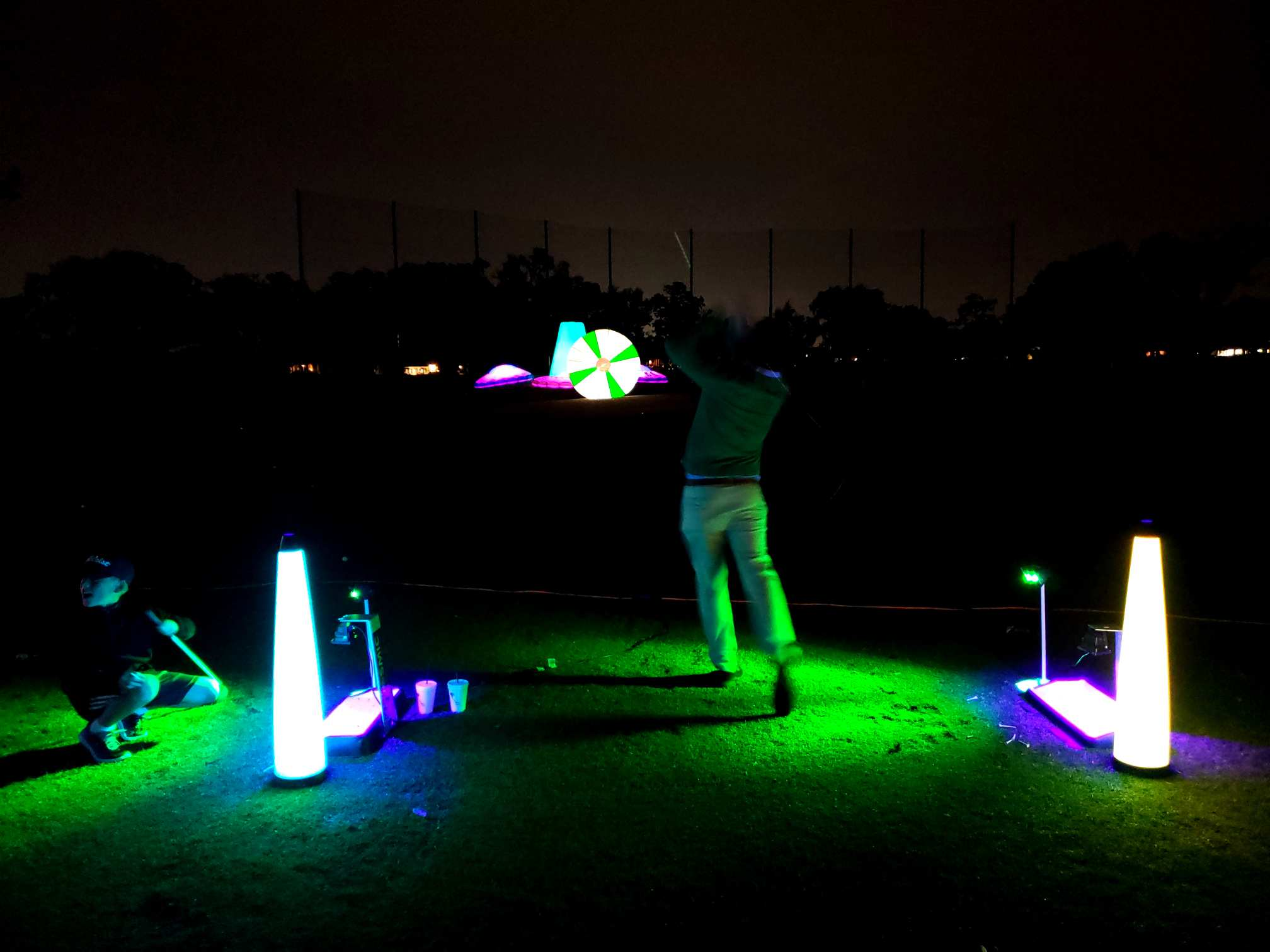 Hitting golf targets on the driving range